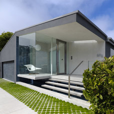 Modern Patio by Jensen Architects