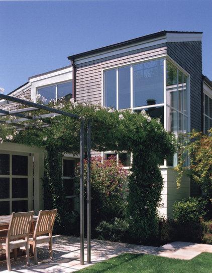 Transitional Patio by Sutton Suzuki Architects