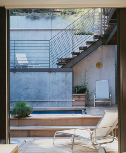 Modern Patio by Levy Art & Architecture