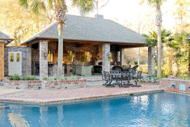 Traditional Pool by Angelo's Lawn-Scape of LA