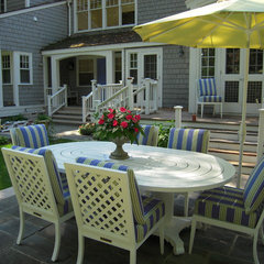 traditional patio by RLH Studio