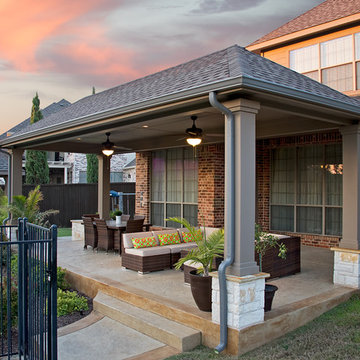 Lake view outdoor living design in Garland, TX
