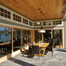 Traditional Patio by Hewitt Designs