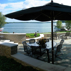 Traditional Patio by Wandsnider Landscape Architects