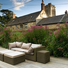 Traditional Deck by Amanda Patton Garden Design & Planting