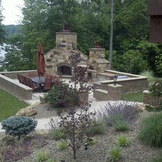 Traditional Patio by Enviroscapes