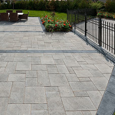 Traditional Patio by Rinox Inc