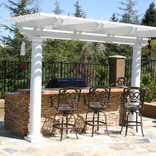 Patio by Lars Remodeling & Design