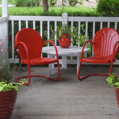 traditional patio by Laura Sampson