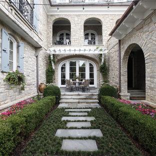 Patio - small traditional courtyard patio idea in Nashville