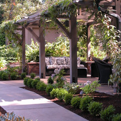 traditional patio by Stangeland and Associates