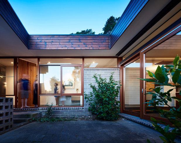 Midcentury Patio by Steffen Welsch Architects