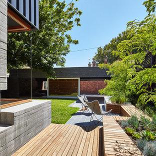 Ispirazione per un patio o portico minimal
