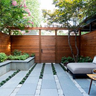 Неиссякаемый источник вдохновения для домашнего уюта: дворик в классическом стиле