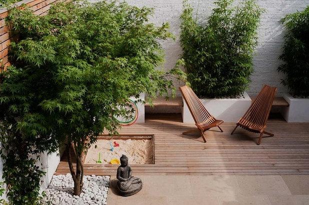 Современный Дворик by Laara Copley-Smith Garden & Landscape Design