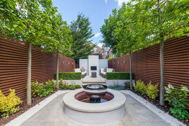 Contemporary Patio by Property Photographer
