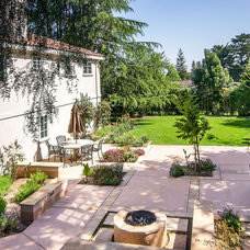 Traditional Patio by mark pinkerton  - vi360 photography