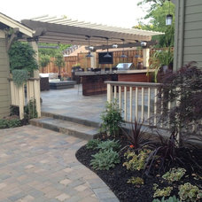 Traditional Patio by Divine Nature Landscape Design