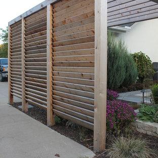 Louvered Garden Privacy Wall