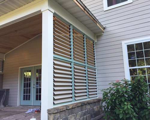 Bbq Area With Louvered Privacy Walls