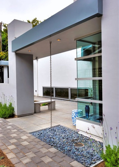 Modern Patio by Diebel and Company | Architects