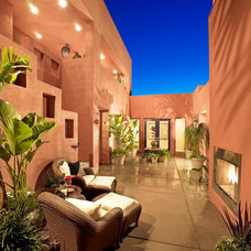 Mediterranean Patio by Danielian Associates Architecture + Planning