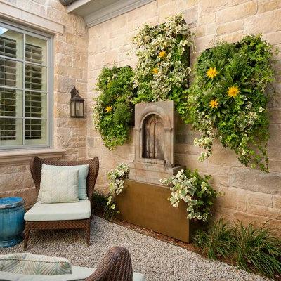 Patio vertical garden - traditional patio vertical garden idea in Dallas