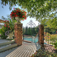 Traditional Patio by Mosby Building Arts