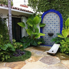 Mediterranean Patio by Mandala Gardens