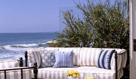 How to Screen a Seaside Garden From the Wind
