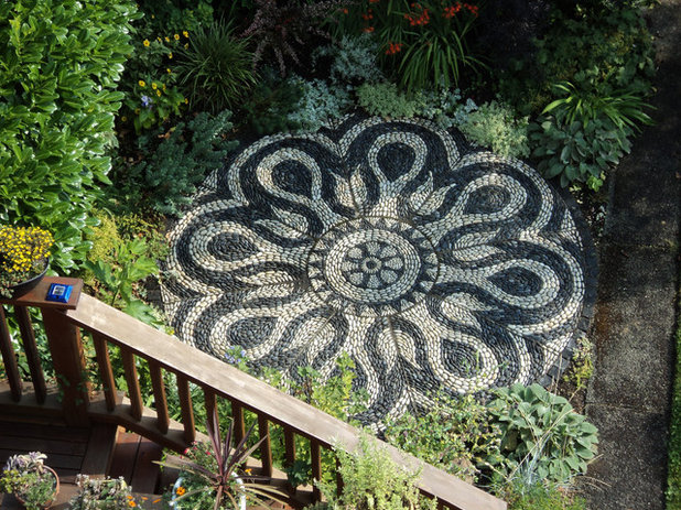 mosaik im garten inspirierende bilder aus stein gemalt. Black Bedroom Furniture Sets. Home Design Ideas