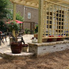 Traditional Patio by Niche Gardens Landscaping, Inc.