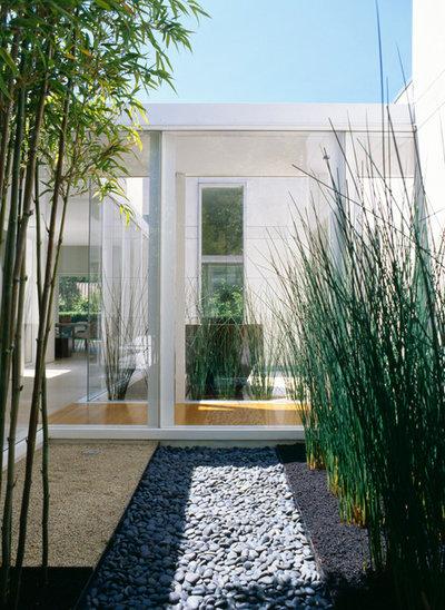 コンテンポラリー テラス・中庭 by Dirk Denison Architects