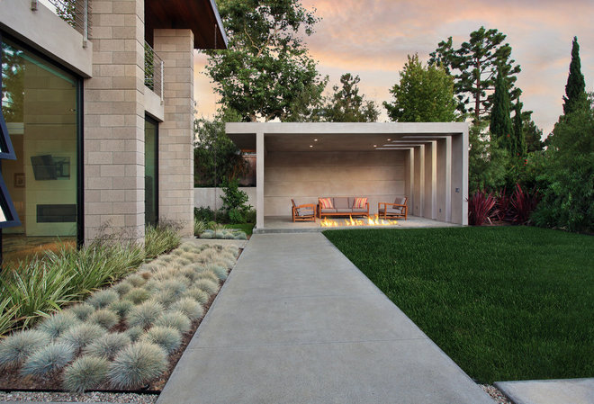 Contemporary Patio by Jeri Koegel Photography