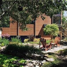 Patio by Eggleston Farkas Architects
