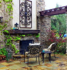 mediterranean patio by Lisa Hallett Taylor