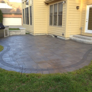 Inspiration for a timeless patio remodel in Cincinnati