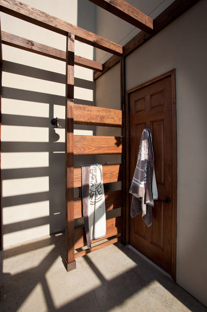 Traditional Bathroom by MSA ARCHITECTURE + INTERIORS
