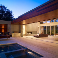 Contemporary Patio by Matarozzi Pelsinger Builders