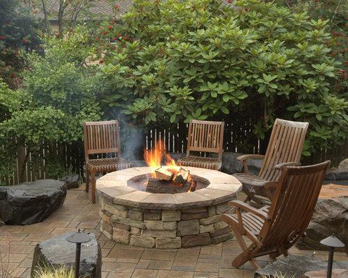 Boulder fire pit houzz for Decoracion balcones modernos