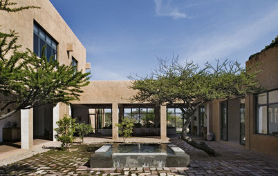Houzz Tour: Gracious Hacienda Mansion in Mexico