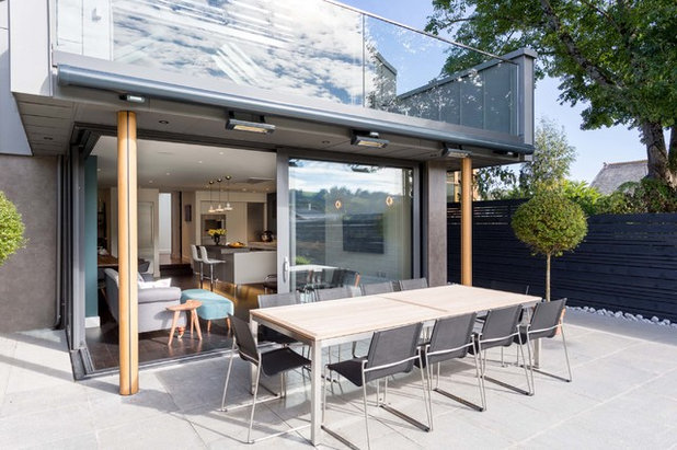 Contemporary Patio By SAPPHIRE SPACES L Bulthaup Exeter