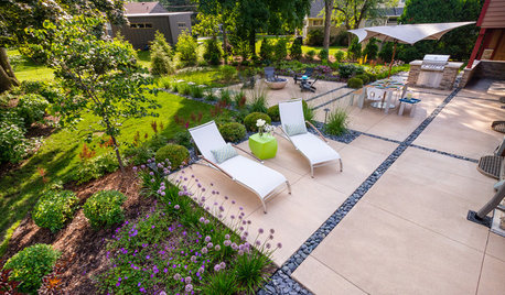 Backyard ideas on houzz tips from the experts for Garden pond design books