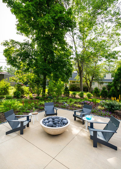 Contemporary Patio by Ginkgo Leaf Studio