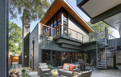 Houzz Tour: Openness Meets Intimacy in Wisconsin