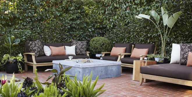 transitional patio by Urrutia Design