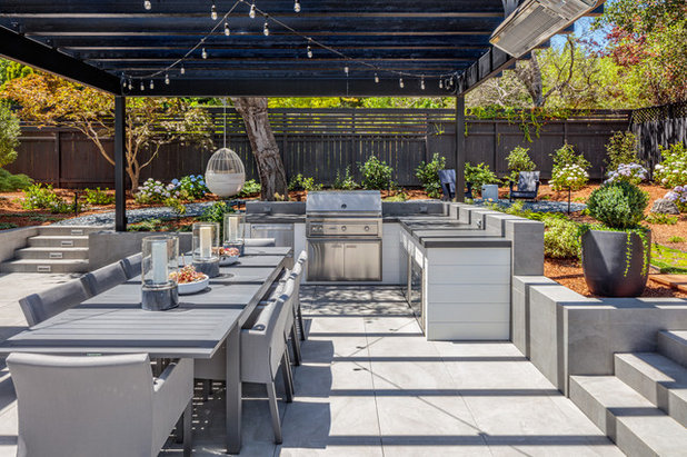 Transitional Patio by dreamlife design