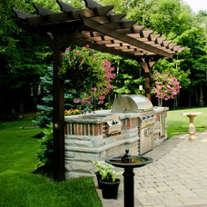 Traditional Patio by Forest Ridge Landscaping