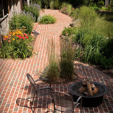Eclectic Patio by Ginkgo Leaf Studio