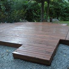 Modern Patio minimal deck / patio